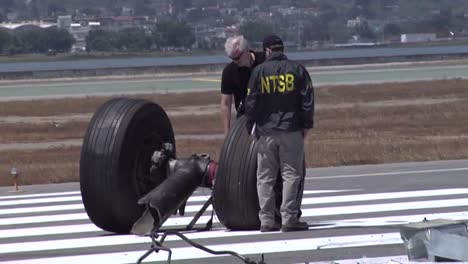 Footage-Of-The-2013-Asiana-Air-Crash-Disaster-In-San-Francisco-Ca-6