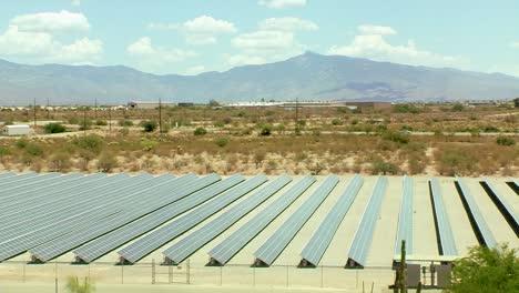 Solar-Panels-in-the-Desert