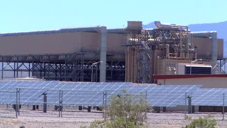 The-Copper-Mountain-Solar-Farm-In-Nevada-Generates-Clean-Electricity-1