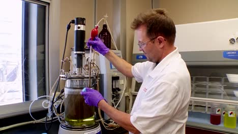 Corn-Based-Ethanol-Biofuel-Is-Tested-In-The-Laboratory