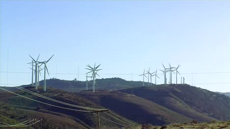 A-Wind-Farm-Near-Tehachapi-California-Generates-Clean-Energy