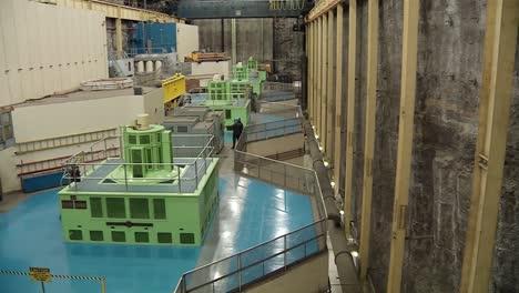 Interior-De-Una-Central-Hidroeléctrica-2