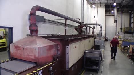 Las-Pilas-De-Combustible-Se-Cuecen-En-Un-Horno-Industrial