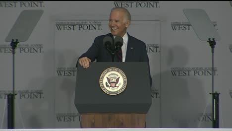 Vicepresidente-Joe-Biden-Y-Cadetes-En-La-Ceremonia-De-Graduación-Y-Graduación-De-La-Academia-Militar-De-West-Point-1