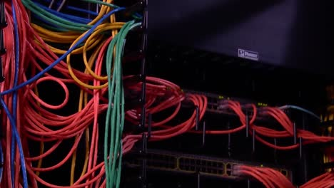 Cable-And-Wiring-Links-Servers-In-A-Huge-Data-Center-2