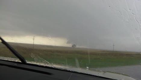 Cazadores-De-Tormentas-Persiguen-Un-Tornado-1