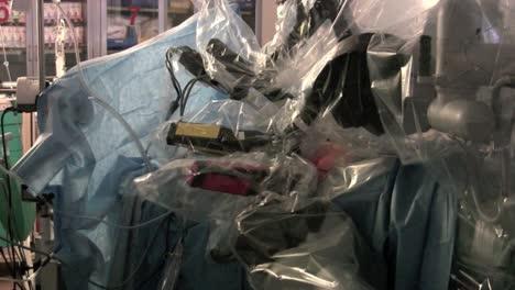 Los-Robots-Se-Utilizan-En-Cirugía-4