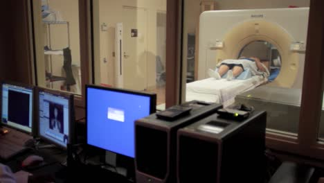 A-Patient-Is-Given-Radiation-Imaging-Treatment-For-A-Cancer-Diagnosis-8
