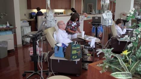 Krebspatienten-Erhalten-Chemotherapie-6