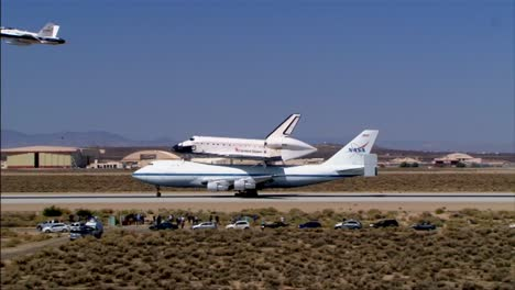 The-Final-Voyage-Of-Space-Shuttle-Enterprise-As-It-Comes-In-For-A-Landing-At-Dryden-Air-Force-Base-2