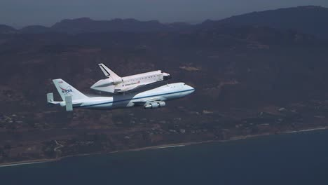 The-Final-Voyage-Of-Space-Shuttle-Enterprise-Flying-Over-Pacific-Coast-3