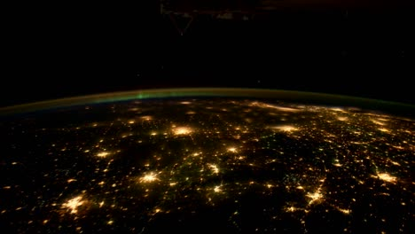 The-International-Space-Station-Flies-Over-The-Earth-At-Night-1