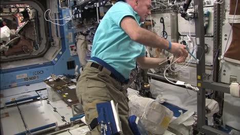 La-Vida-A-Bordo-De-La-Estación-Espacial-Internacional-5