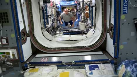 Life-On-Board-The-International-Space-Station-6