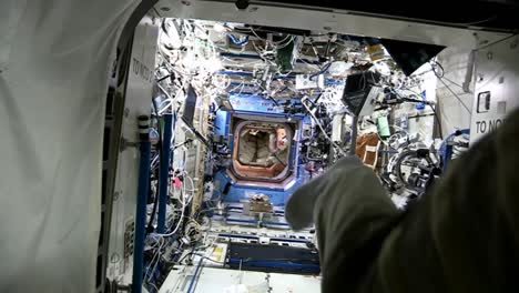 Life-On-Board-The-International-Space-Station-7