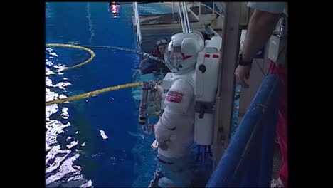 Astronauts-Train-For-A-Mission-In-Space-With-A-Weightless-Simulator