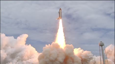 The-Space-Shuttle-Atlantis-Lifts-Off-From-The-Launching-Pad