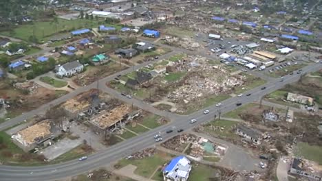 Una-Devastadora-Serie-De-Tornados-Azota-Tuscaloosa-Alabama-En-2013