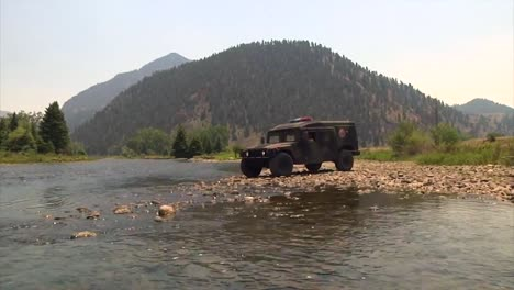 An-Emergency-Vehicle-Crosses-A-Río-In-Colorado