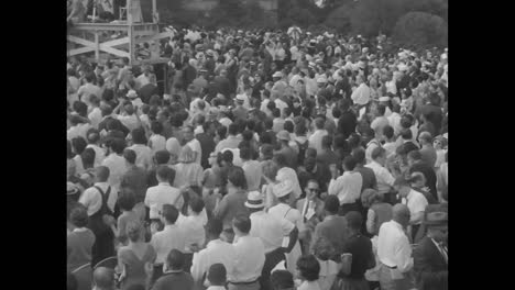 Los-Manifestantes-Cantan-Mientras-Termina-La-Marcha-En-Washington-En-1963-