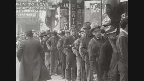 Se-Entregan-1000-Abrigos-A-Hombres-Necesitados-En-Missouri-En-1937