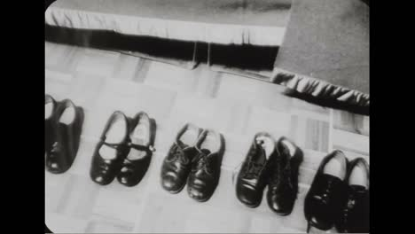 A-Couple-In-Quebec-Has-17-Children-In-1957