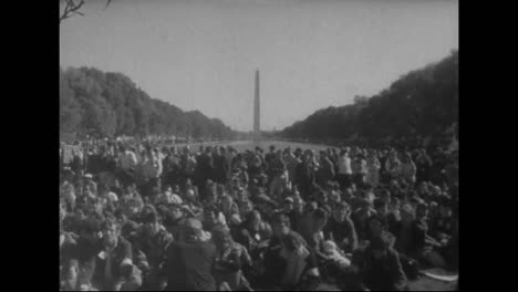 A-Mass-Protest-Against-The-Vietnam-War-At-The-Pentagon-In-1967