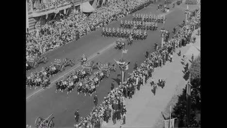 120000-Veterans-March-In-A-Parade-In-Chicago-In-1933