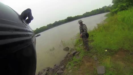 A-National-Guard-Swat-Team-Practices-Waterborne-Infiltration-Techniques