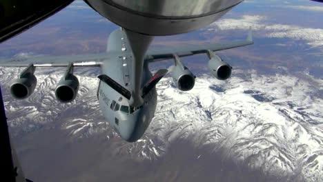 An-Air-Force-C17-Refuels-In-Midair