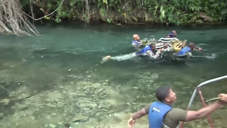 Us-Army-And-National-Guard-Troops-Train-Jamaicans-In-Basic-Jungle-Survival-Skills