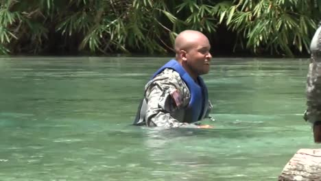 Us-Army-And-National-Guard-Troops-Train-Jamaicans-In-Basic-Jungle-Survival-Skills-1