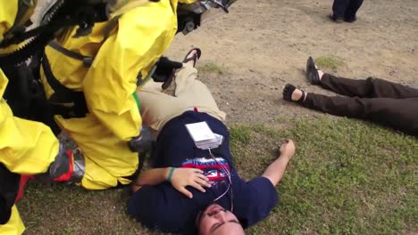 Army-And-National-Guard-Soldier-Treat-People-In-A-Simulated-Poison-Gas-Attack