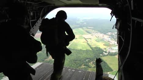 Paracaidistas-De-La-Guardia-Nacional-Del-Ejército-De-Los-Ee-