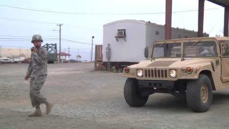 Guardia-Nacional-Del-Ejército-De-Estados-Unidos-Guardia-Guantánamo-Cuba-1