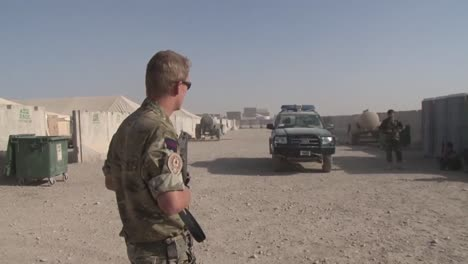 A-Us-Soldier-Mans-A-Checkpoint-In-Afghanistan