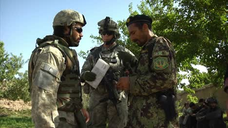 Soldiers-On-Patrol-In-Zabul-Province-Afghanistan-1