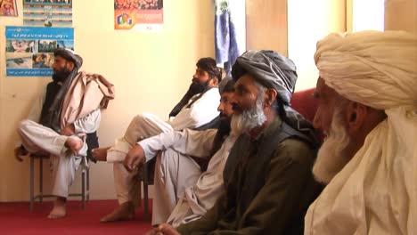 Las-Fuerzas-De-Seguridad-Nacional-Afganas-Y-La-Policía-Local-Afgana-Discuten-Cómo-Aumentar-La-Seguridad-Y-El-Desarrollo-En-Afganistán-Con-Soldados-Estadounidenses-1