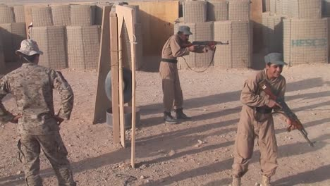 Afghan-Police-And-Soldiers-Are-Taught-Tactics-By-The-Us-Army-1
