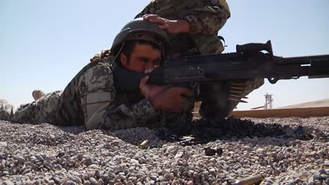 Afghan-Troops-Train-With-Us-Soldiers-Who-Teach-Them-How-To-Use-Advanced-Weapons-1