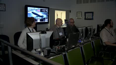Nasa-Scientists-Research-In-A-Lab-For-Monitoring-Air-Traffic-Control-Status-Of-Individual-Airplanes-3