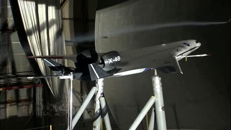 An-Aircrafts-Aerodynamics-Are-Tested-In-A-Wind-Tunnel-1