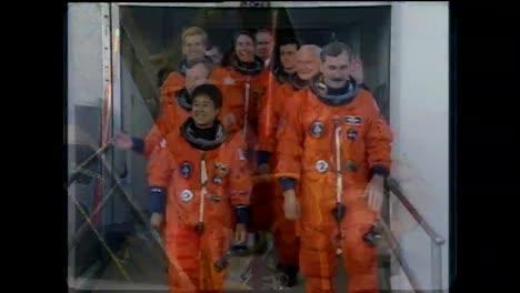 John-Glenn-Regresa-Al-Espacio-En-El-Transbordador-Espacial-En-1998