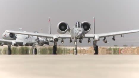 Los-Aviones-De-Combate-Están-Equipados-Con-Bombas-En-Bagram-Afb-Durante-La-Guerra-En-Afganistán