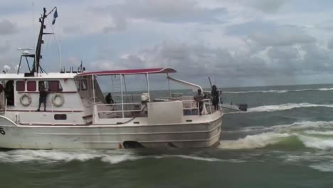 Guatemalan-Navy-And-Sailors-Are-Taught-How-To-Use-Small-Boats-To-Pursue-Drug-Smugglers-2
