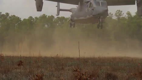 The-Osprey-Cv22-Helicopter-Lands-In-A-Field-1