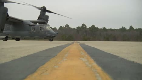 The-Osprey-Cv22-Helicopter-Taxis-On-A-Runway
