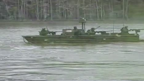 Navy-Seals-Special-Ops-Warcraft-Practice-A-River-Invasion-Exercise-1
