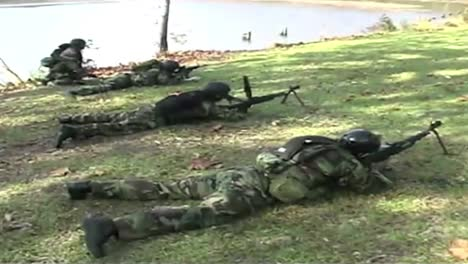 Navy-Seals-Special-Ops-Warcraft-Practice-A-River-Invasion-Exercise-2