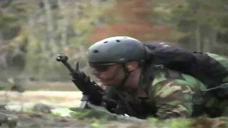 Navy-Seals-Special-Ops-Warcraft-Practice-A-River-Invasion-Exercise-3